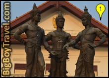 Chiang Mai Free Walking Tour Map, Three Kings Monument Staute